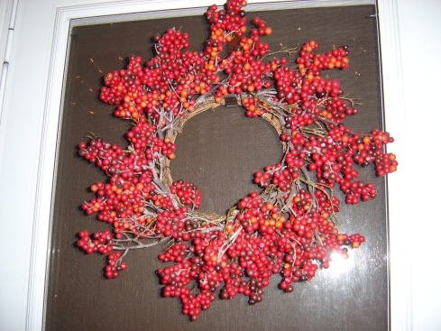 Wreath on the outside door--I'm in love with it.