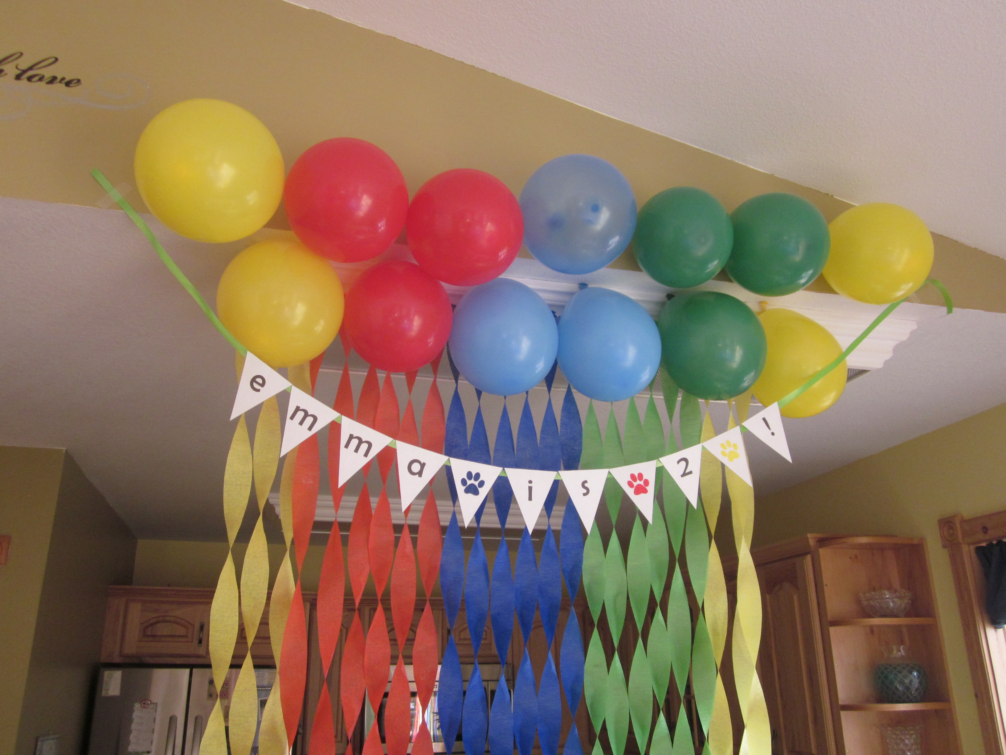 Simple birthday decoration ideas at home with balloons for Balloon decoration at home